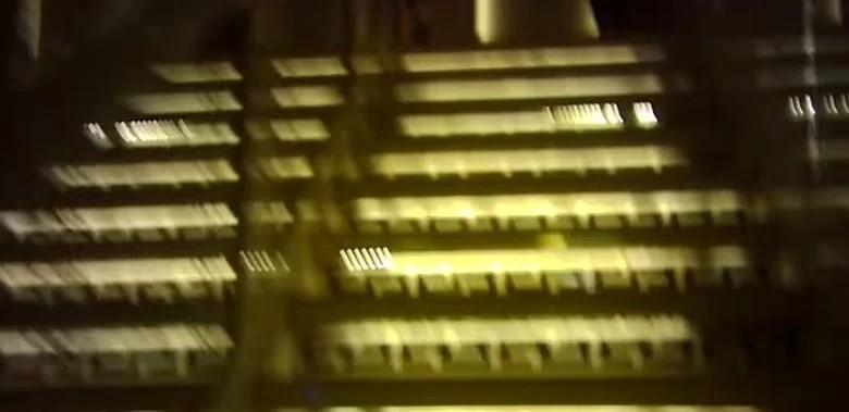 香港夜遊び!141の「富士大廈」を調査!No.1ピンポンマンションってホント?【海外風俗】|世界のブンブン