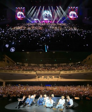 """Stray Kids successively finished their first  Europe showcase tour…...""""Next K-pop representative group"""""""