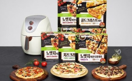 The popularity of frozen pizza with 'soft dough' and 'rich toppings'