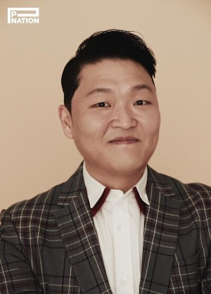 """Psy celebrates over 14 million YouTube subscribers... """"Should I try something new?"""""""