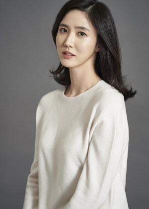 Lee Soo-kyung exclusive contract with Snowball entertainment