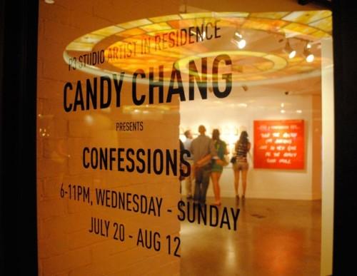Exhibición de confesiones de la artista Candy Chang