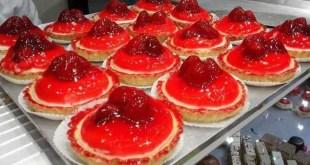 كيفية تحضير تارت الفراولة الصغيرة ( Mini tartelettes aux fraises) الشهية التي تعد من أفضل الحلويات في العالم