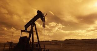 تتحول أسعار البترول الأمريكية إلى سلبية مع ارتفاع الطلب لأول مرة في التاريخ