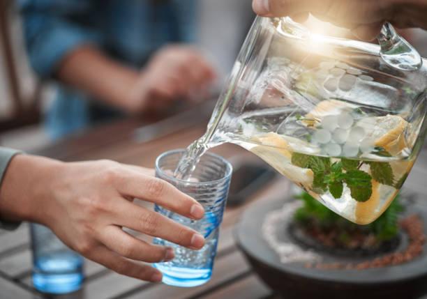 شرب المياه و السوائل