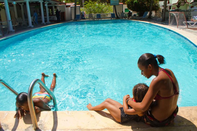 Pool with Children and mom