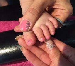 Nimra nagels