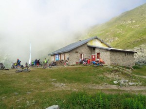 Mountain Hut Golemo Ezero (2)