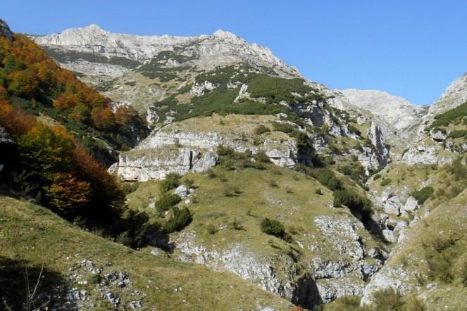 Monte Acquaviva and Valle del Forcone (right)