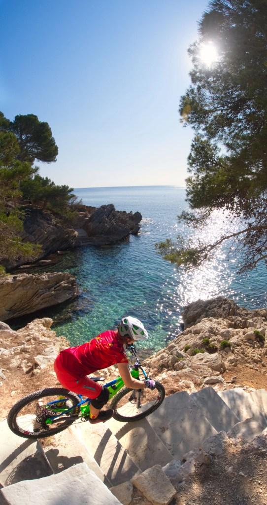 Raffaela Roxy von RoxyBike Mallorca - Mental Coach und Mountainbike Fahrtechniktrainerin im Interview für Frauen