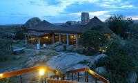 Serengeti-Wildlife-Lodge-Safari-with-Mountain-Gurus