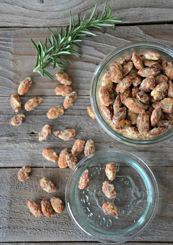 Rosemary Parmesan Almonds | www.mountainmamacooks.com