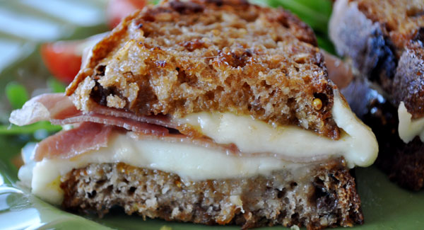 grilled-cheese-fig-jam-sandwich
