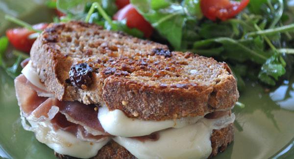 grilled-prosciutto-mozzerella-cheese-sandwich