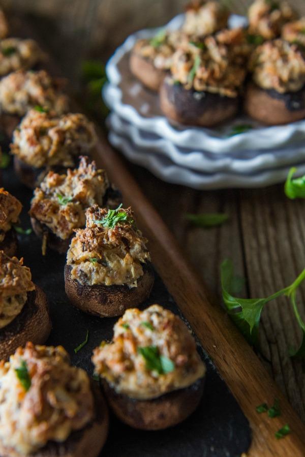 Bacon and Cream Cheese Stuffed Mushrooms | www.mountainmamacooks.com