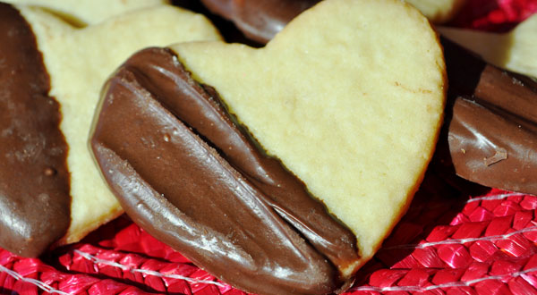 chocolate-dipped-heart-cookies