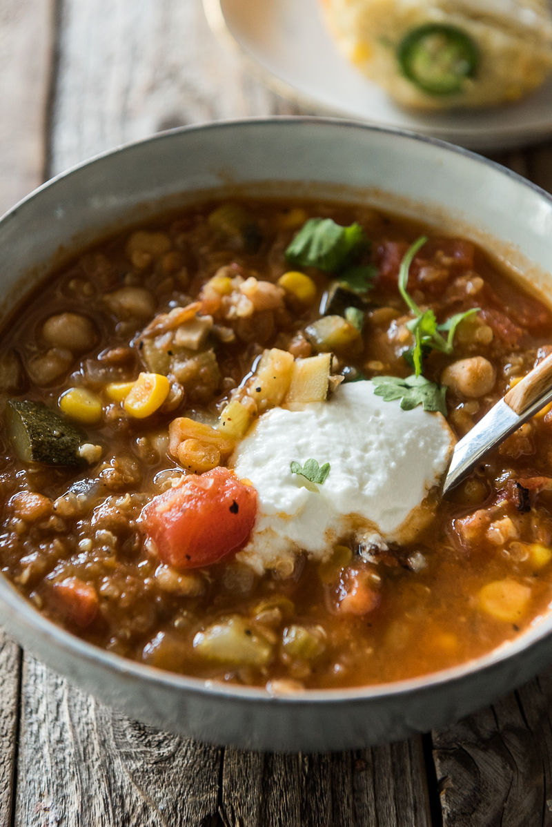 Vegetarian Chili with Quinoa | www.mountainmamacooks.com
