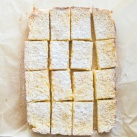 Lemon Bars with Coconut Crust | www.mountainmamacooks.com