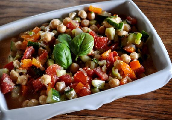 garbanzo-bean-basil-pepper-salad