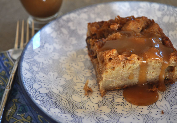 Bread-pudding-with-caramel-sauce-mountain-mama-cooks-1