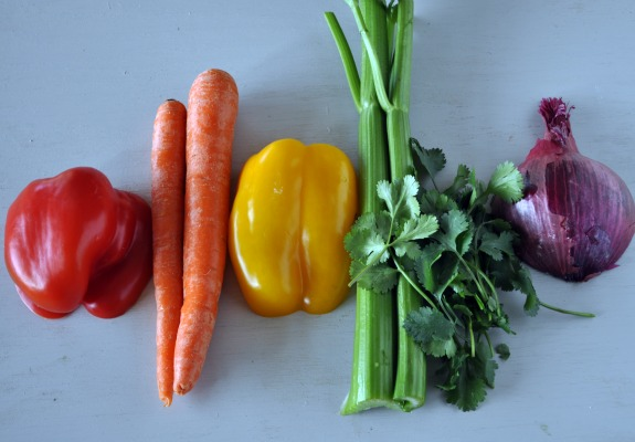 eating-the-rainbow-salad-recipe-mountain-mama-cooks-2