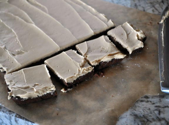 chocolate-brownie-bar-peanut-butter-icing-recipe-mountainmamacooks