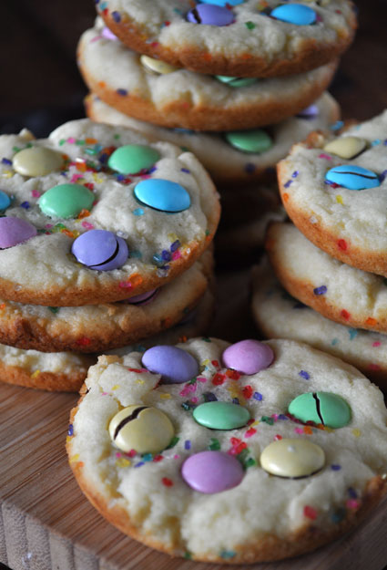 sugar-cookies-with-m&m-candy-and-sprinkles-3