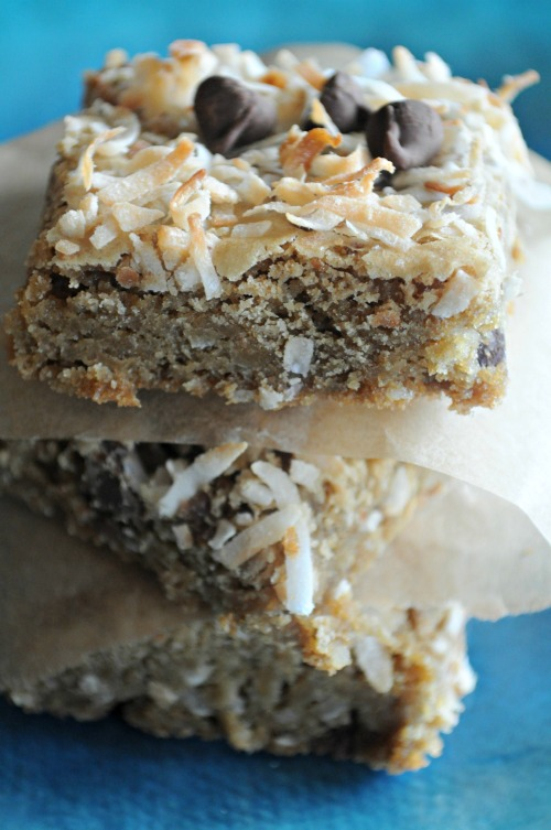 easy-coconut-blondies-mountain-mama-cooks