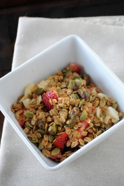 honey-pistachio granola breakfast, Mountain Mama Cooks