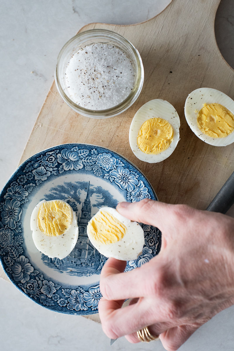 High Altitude Hard Boiled Eggs | www.mountainmamacooks.com