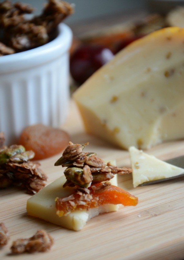 Wisconsin Gouda & Chai Spiced Granola Pairing, www.mountainmamacooks.com #recipe #wisconsincheese