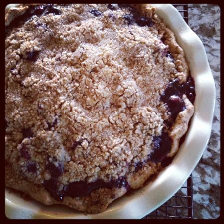 Berry Crumble Pie | mountainmamacooks.com