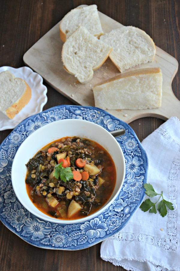Sausage, Kale and Lentil Soup | mountainmamacooks.com