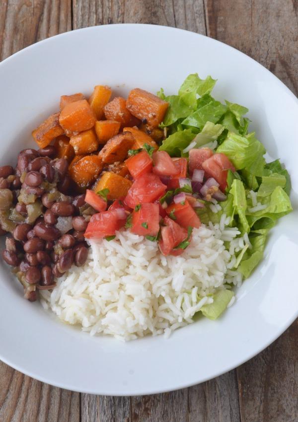 Butternut Squash Burrito Bowls | mountainmamacooks.com #eatseasonal