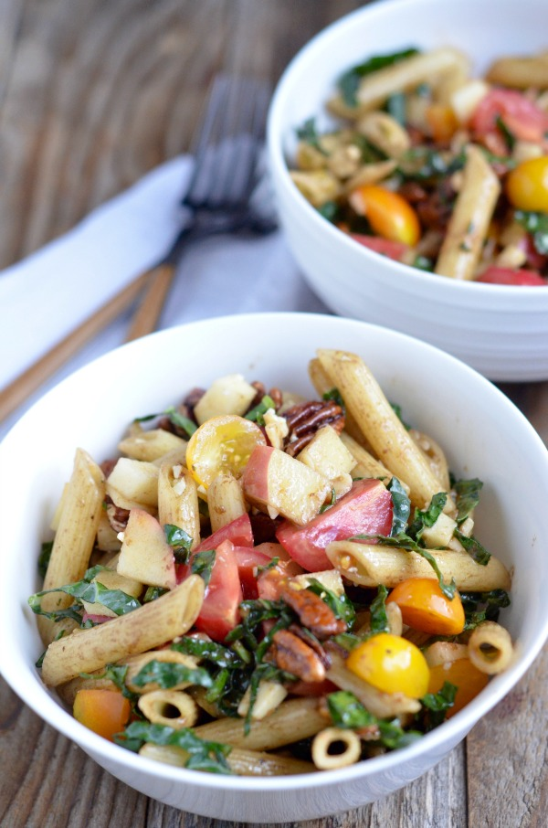 Pasta Salad with Kale, Cheddar, Apple and Candied Pecans | mountainmamacooks.com