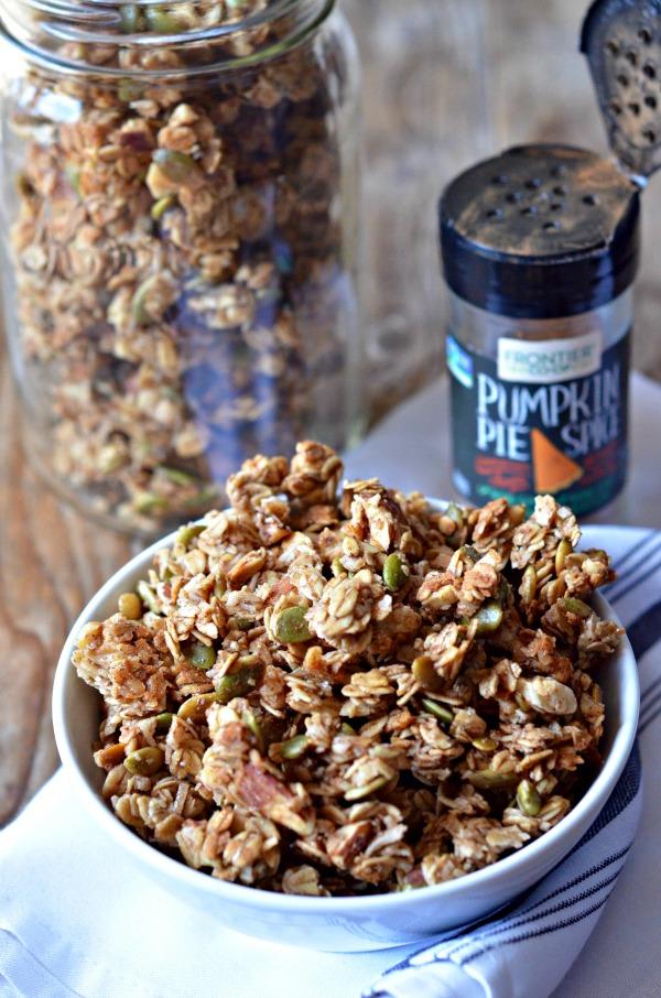Pumpkin Spice Granola | mountainmamacooks.com