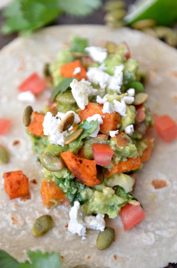 Loaded Guacamole Tacos | mountainmamacooks.com #EatSeasonal