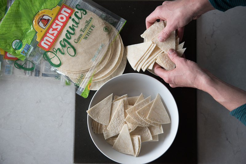 The BEST Coconut Oil Tortilla Chips | www.mountainmamacooks.com