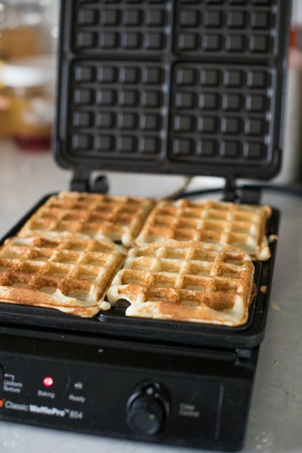 High Altitude Waffle Recipe | www.mountainmamacooks.com