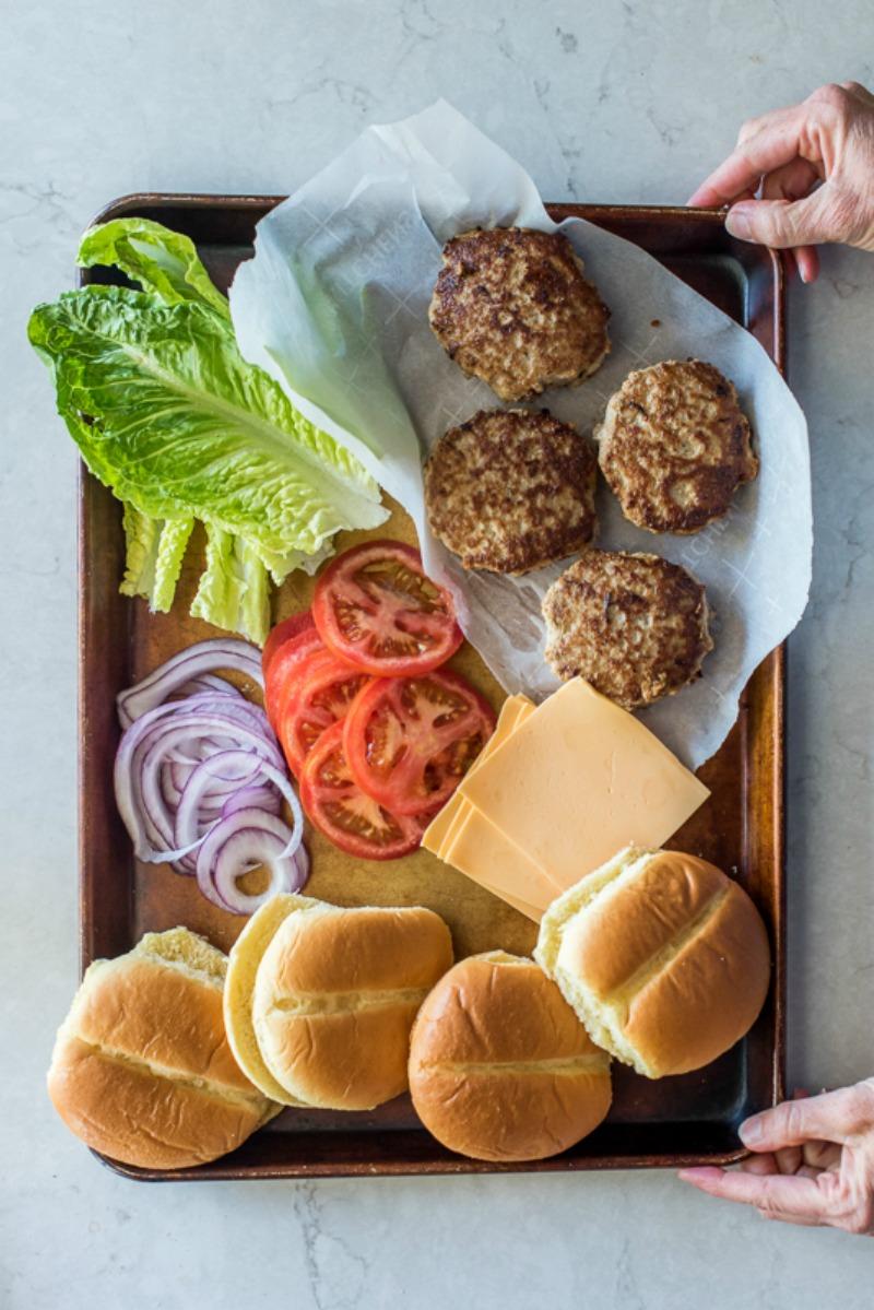Simple Turkey Burgers | www.mountainmamacooks.com