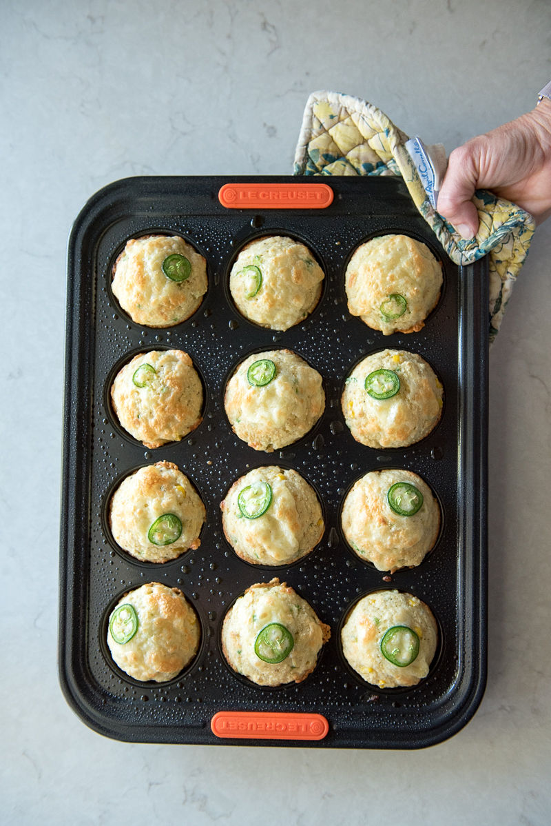 Cheddar Jalapeno Cornbread Muffins | www.mountainmamacooks.com