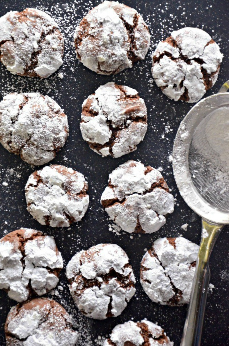 Chocolate Crinkles with Coconut Oil   www.mountainmamacooks.com