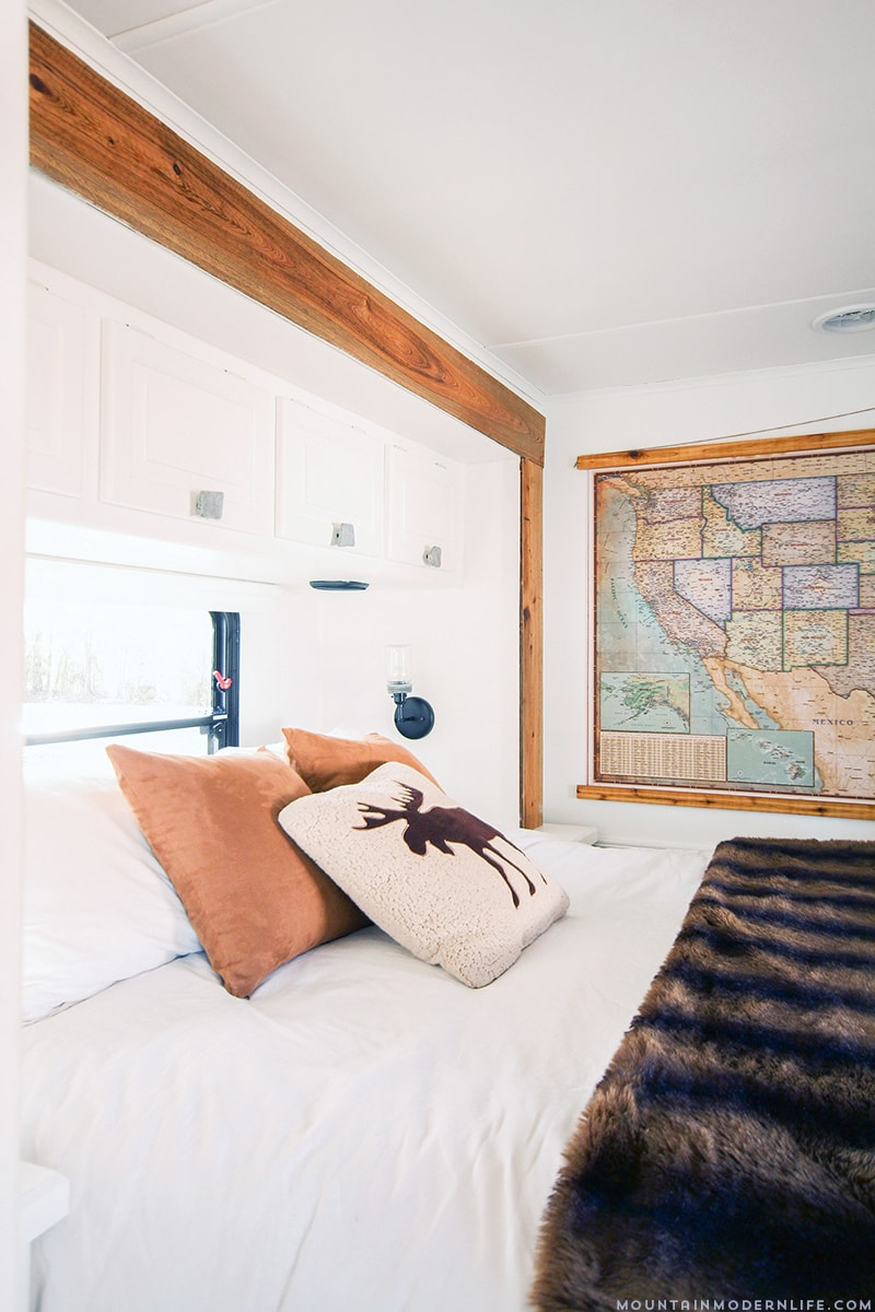 cabin-inspired-rv-bedroom-renovation-mountainmodernlife.com_