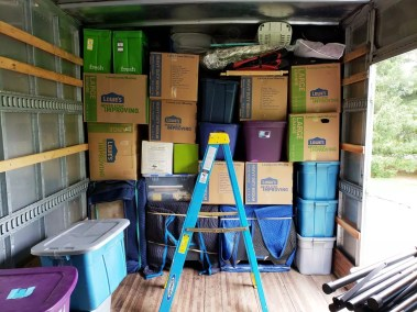packing truck mountain movers