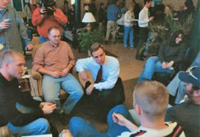 Governor Mark Warner visited with students in the Lions Lounge at the law school soon after the tragic shootings on January 16, 2002.