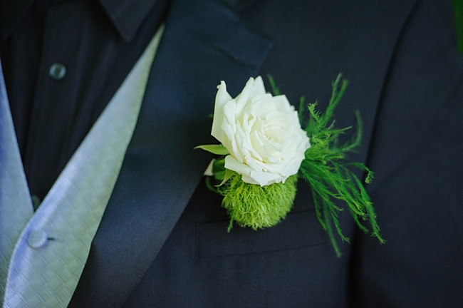 4-boutonniere-hawkesdene-mountain-wedding-Torrence-Photography