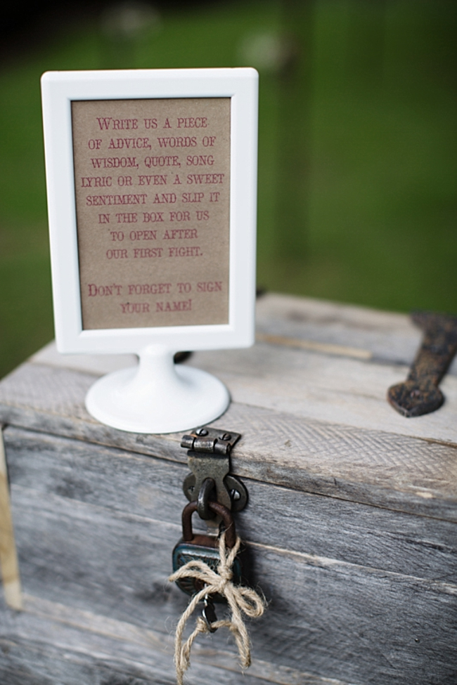 guest advice rustic chic wedding via http://mountainsidebride.com