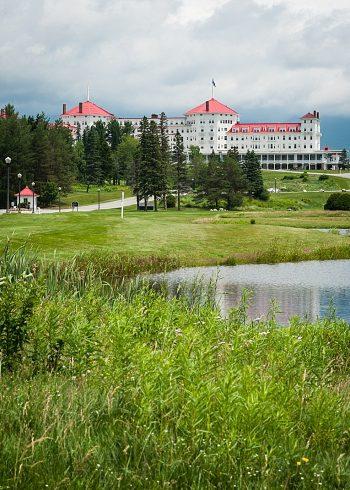 Mount Washington Hotel | Photography by AMW Studios | see more on MountainsideBride.com