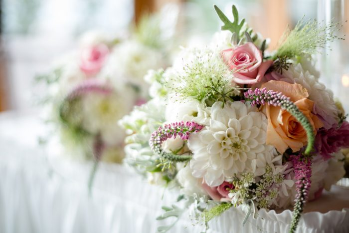 white and pink centerpieces | Lake Tahoe Wedding | Eric Asistin Photographer