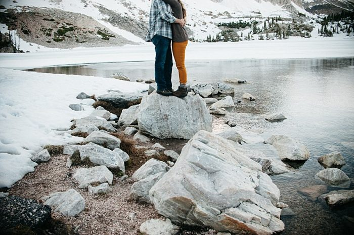 Winter Wyoming Engagement | Natural Intuition Photography | Via MountainsideBride.com